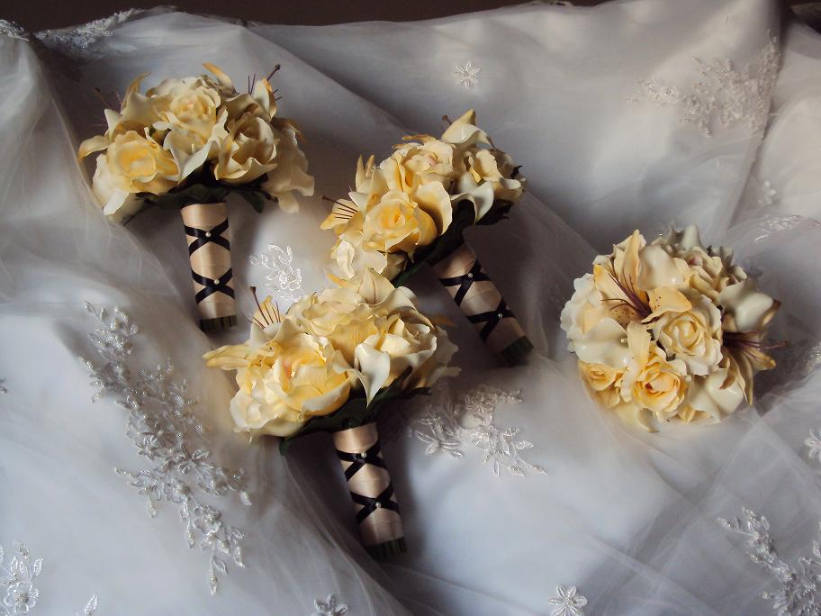 Champagne Amp Ivory Wedding Bouquets