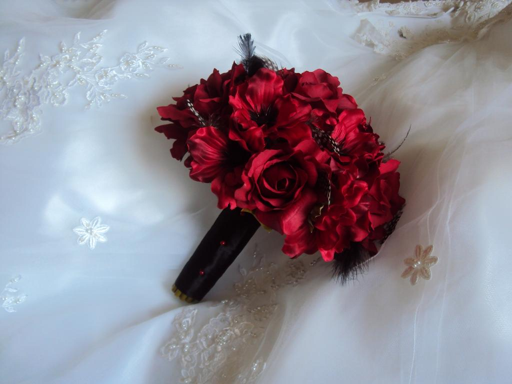 Wedding Bouquets Red And Black : Red and black wedding bouquetswedding bridal bouquets